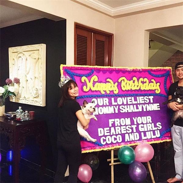 Bữa tiệc đáng yêu mừng sinh nhật Shalvynne chứng tỏ chàng tỷ phú điển trai rất cưng chiều vợ.