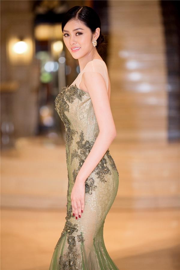 Trong năm qua, Hoa hậu châu Á tại Úc Huỳnh Tiên liên tục nhận được lời mời tham dự các sự kiện quốc tế. Người đẹp luôn nhận được nhiều sự quan tâm của khán giả và cũng biết cách để trở thành tâm điểm của giới truyền thông mỗi khi xuất hiện. - Tin sao Viet - Tin tuc sao Viet - Scandal sao Viet - Tin tuc cua Sao - Tin cua Sao