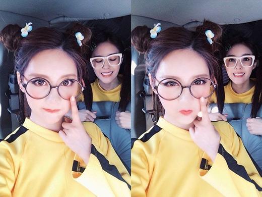 """Qri vốn nổi tiếng là thành viên """"siêng"""" đổi kiểu tóc nhất nhóm, nên dĩ nhiên cô nàng cũng không thể bỏ qua cơ hội diện """"em"""" tóc này được."""