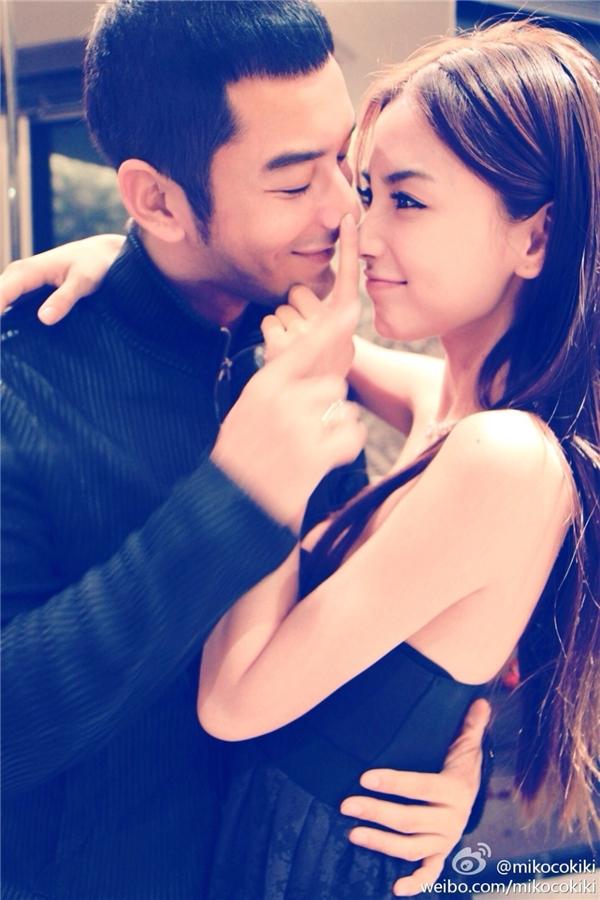 Angela Baby, Huỳnh Hiểu Minh hạnh phúc chào đón con trai đầu lòng