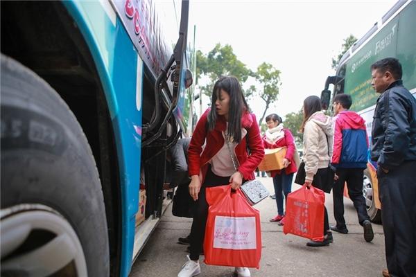 Trong sáng ngày 18/01/2016, cùng với điểm tổ chức Chương trình tại Nhà Văn hóa Học sinh Sinh viên thành phố Hà Nội, các chuyến xe tại các điểm trường Đại học Lâm nghiệp và Học viện Nông nghiệp Việt Nam cũng xuất phát đưa sinh viên về quê sum vầy cùng gia đình.