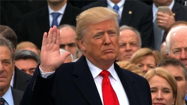 Trong khi tân Tổng thống tuyên thệ ở lễ nhậm chức, một nhân vật đặc biệt sẽ được đưa tới nơi bí mật để bảo vệ.