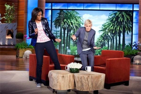 BàMichelle hài hước tham gia chương trìnhThe Ellen DeGeneres Show ngày 1/2/2012.
