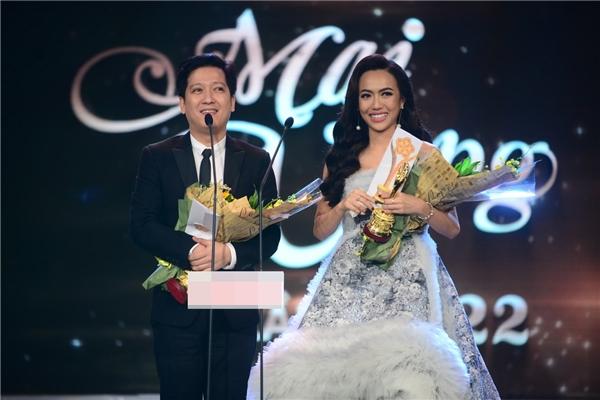 Trường Giang, Diệu Nhi đoạt giải Nam - Nữ diễn viên sân khấu được yêu thích nhất. - Tin sao Viet - Tin tuc sao Viet - Scandal sao Viet - Tin tuc cua Sao - Tin cua Sao