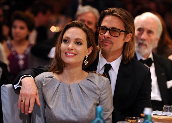Tài tử đang trong quá trình giải quyết thủ tục li hôn vớiAngelina Jolie.