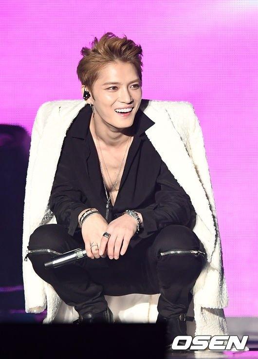 """Vừa xuất ngũ, Jaejoong đã """"gây sốt"""" với màn khoe thân 6 múi"""
