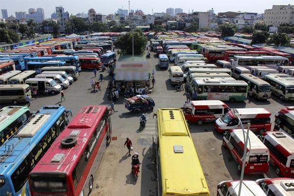 Lượng xe khách phục vụ đưa mọi người về quê ăn Tết cũng được tăng cường trong ngày Tết. (Ảnh: Internet)