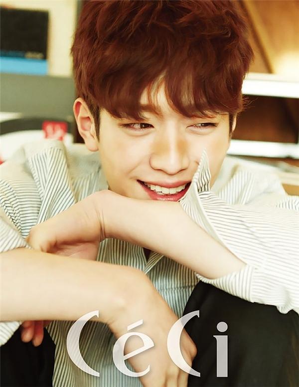Seo Kang Joonsở hữu gương mặt trẻ thơ.