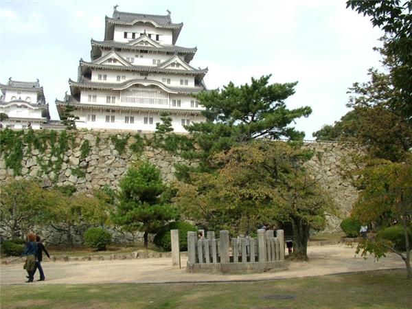 Lâu đài Himeji nổi tiếng.(Ảnh: Internet)