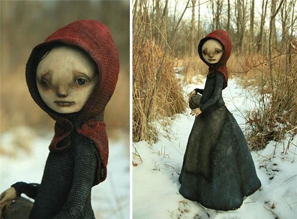 Nhân vật cô bé Quàng Khăn Đỏ quen thuộc.