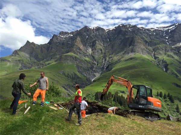 Để xây dựng được Null Stern, các nhân viên xây dựng đã phải tiến hành san bằng nhiều khu đồi núi.