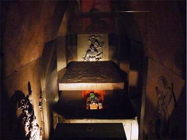 Căn phòng địa táng vua Pakal của người Maya.
