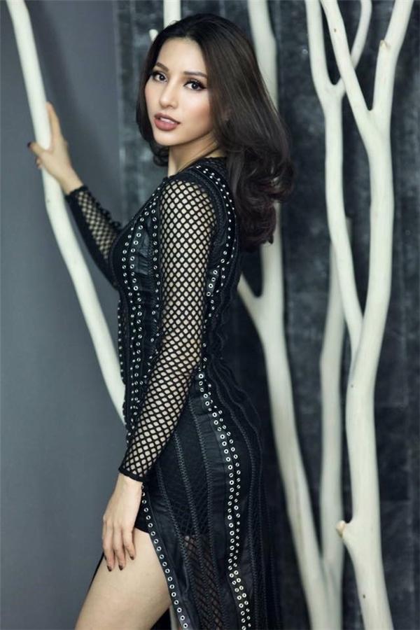 Khả Trang ghi được 1.1 điểm: lọt top 25 Hoa hậu Siêu quốc gia và Trang phục Dân tộc đẹp nhất.