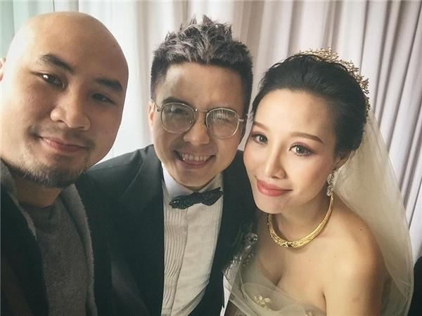 """Và ngày 3/1 vừa rồi,chàng Quyết """"đại ca"""" đã chính thức tổ chức hôn lễ trước sự chứng kiến của đông đảo bạn bè cũng như họ hàng hai bên."""