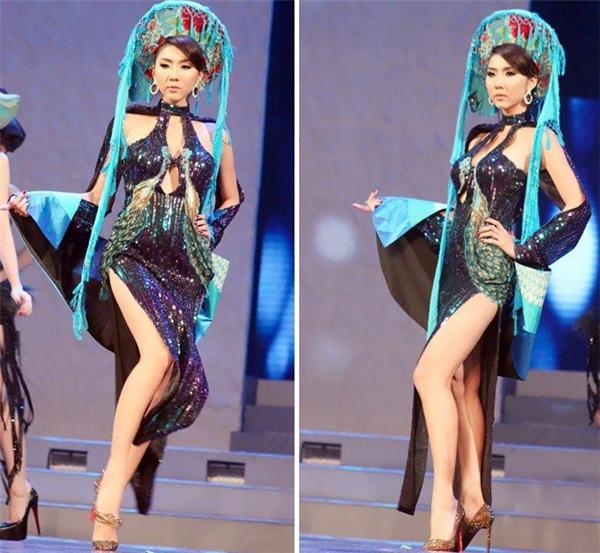 Ngọc Quyên trình diễn thiết kế áo dài không ra áo dài, váy dạ hội không ra váy dạ hội.