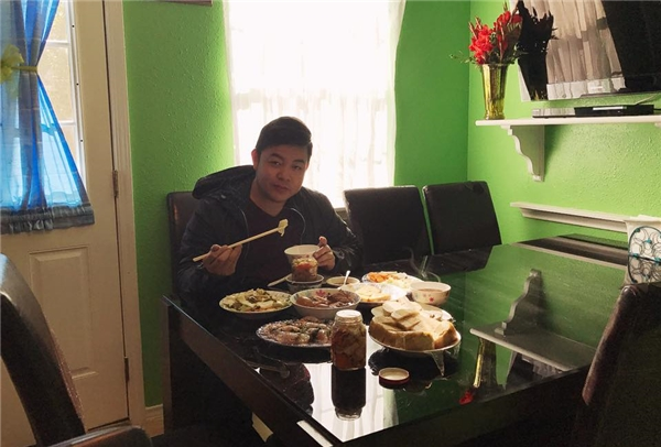 Bất chấp cân nặng vượt mức, Quang Lê vẫn ăn uống thế này đây! - Tin sao Viet - Tin tuc sao Viet - Scandal sao Viet - Tin tuc cua Sao - Tin cua Sao