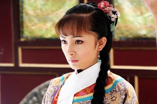 """Trong vai diễn này, Dương Mịch đã cởi bỏ nét tinh nghịch, hồn nhiên, trong sáng để hoá thân trở thành một """"thục nữ quý tộc"""" đích thực, rất nhẹ nhàng và vô cùng điềm đạm."""