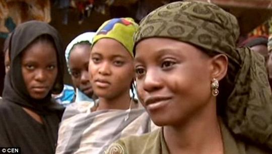 Giáo sĩ người Nigeria cưới 130 bà vợ qua đời, để lại hơn 200 đứa con