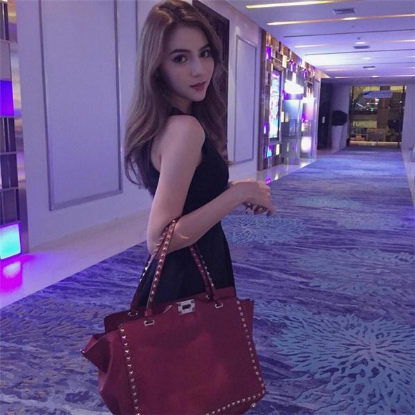 Ngất ngây trước nhan sắc lai Á - Âu nổi bật của nàng hot girl Thái Lan