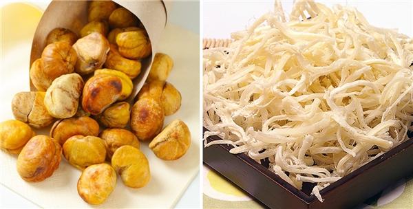 Hạt dẻ rang và mực khô là hai món ăn rất được khán giả Hàn Quốc yêuthíchtrong phòng chiếu phim.