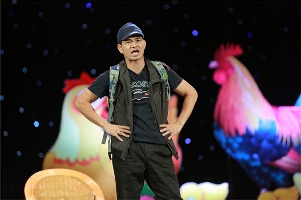 Nghệ sĩ Xuân Bắc trongbuổi trình diễn tại tại Cung Văn hóa Hữu nghị Việt Xô tối 4/2 (mùng 8 Tết Đinh Dậu). (Ảnh: Zing.vn)