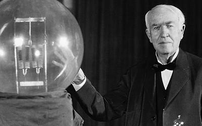 Thomas Edison là chủ nhân của hơn 1093 bằng sáng chế.