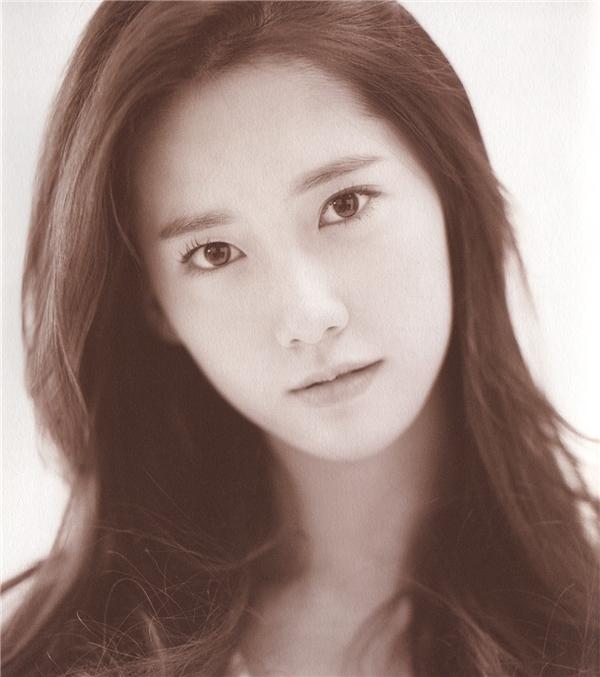 Yoona xinn đẹp hút hồn trong album Gee.