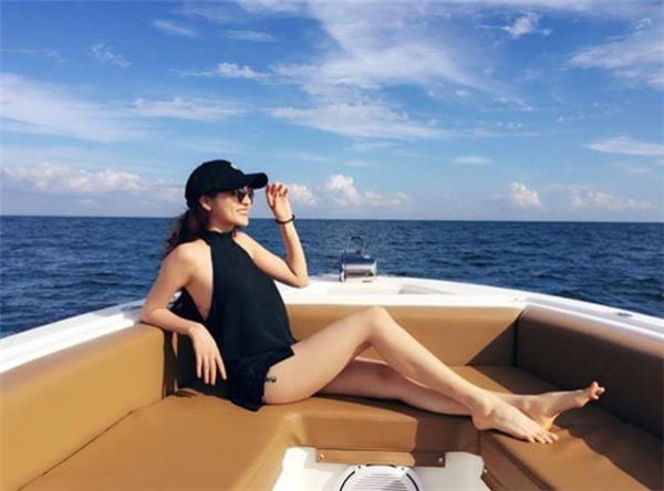 Đi biển cùng Hồ Quang Hiếu, Bảo Anh gợi cảm khó rời mắt - Tin sao Viet - Tin tuc sao Viet - Scandal sao Viet - Tin tuc cua Sao - Tin cua Sao