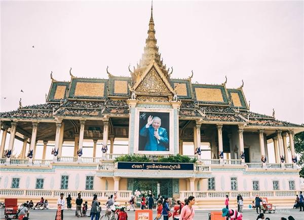 Cung điện hoàng gia tráng lệ ở trung tâm thủ đô Phnom Penh.