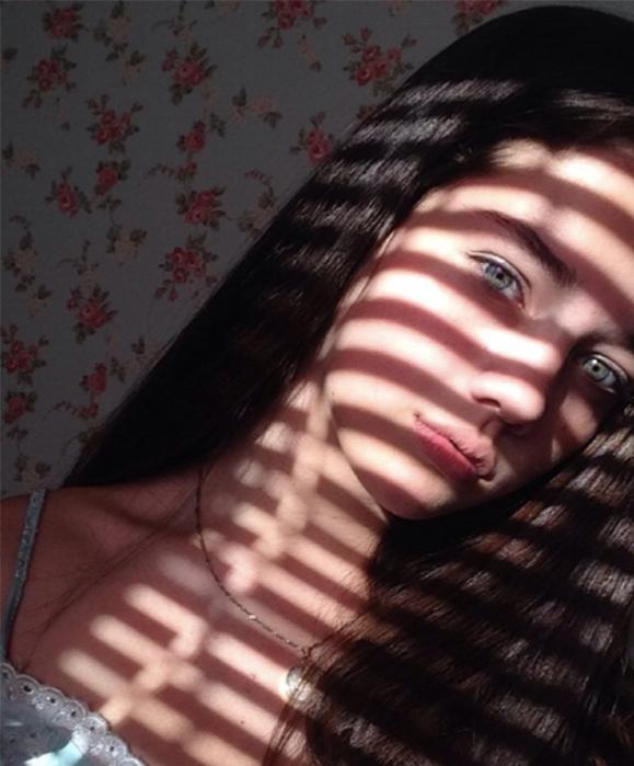 Và đôi mắt xanh dương hút hồn.(Ảnh: Internet)