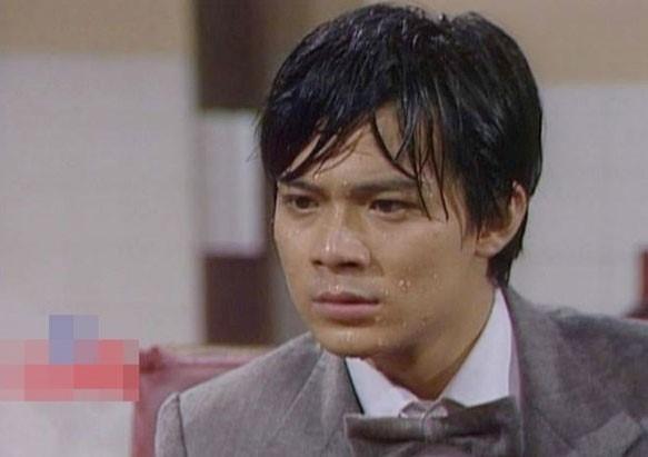 Ngũ hổ tướng TVB Huỳnh Nhật Hoa ghi dấu ấn với vai Âu Dương Cương trong bộ phimQuá Kháchkhi mới 19 tuổi.