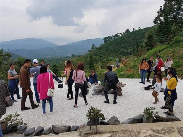 Khu vực cấm cũng trở thành nơi chụp ảnh cho du khách tới chùa.