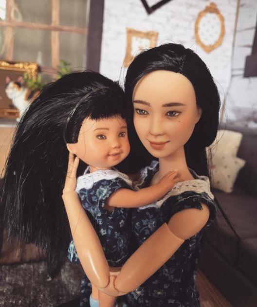 Những nàng búp bê mang thai khi được sản xuất ra trông rất sống động. Khuôn mặt, ánh mắt và cử chỉ của chúng đều thể hiện rõ niềm hạnh phúc khi chuẩn bị làm mẹ.