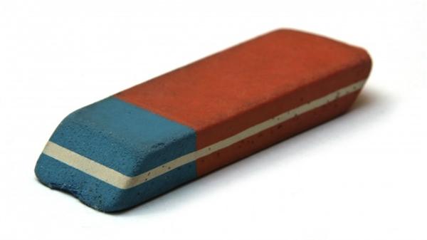 Ai từng ngây thơ tin rằng phần xanh có thể tẩy được bút mực?