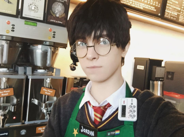 Mànhóa thân thành Harry Potter củaJordan.