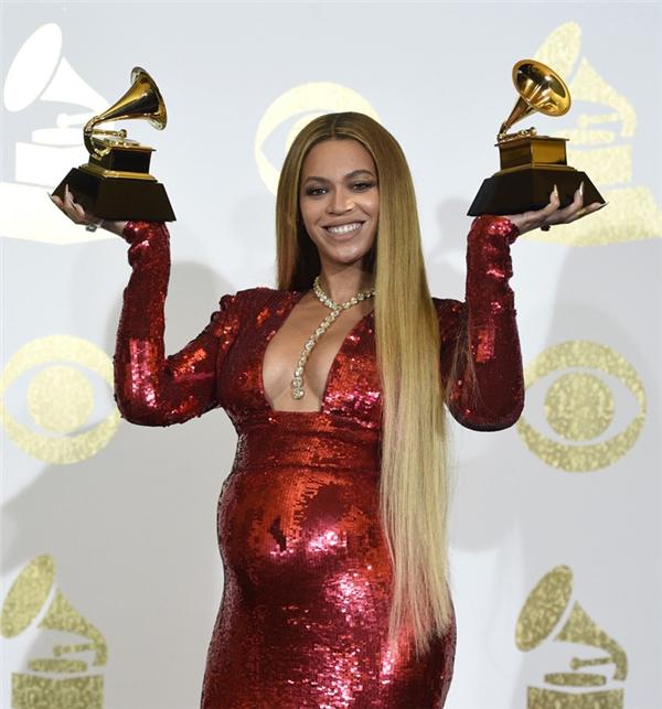 Số chiến thắng của Beyoncénăm nay đúng bằng số em bé trong bụng cô.