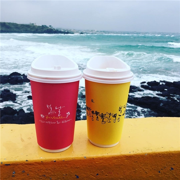 Đây cũng là quán cà phê yêu thích của giới trẻ Hàn Quốc khi đến Jeju. (Ảnh: @tinazhou511/ Instagram)