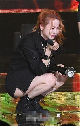 Sol Ji à! Đừng khóc nữa mà.