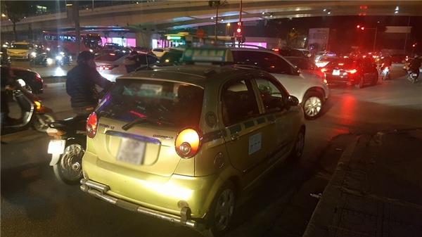 Chuyến taxi ấm lòng. (Ảnh: FBNV)