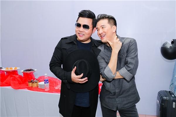 Quang Lê vui vẻ bên Đàm Vĩnh Hưng, xóa tan tin đồn