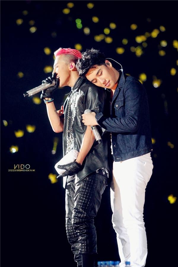 """Do có khá nhiều khoảnh khắc thân thiết nên G-Dragon và Seungri được các fan """"ghép đôi"""" nhiệt tình. Hi vọng lần này, người hâm mộ tại Việt Nam cũng được chứng kiến tận mắt"""