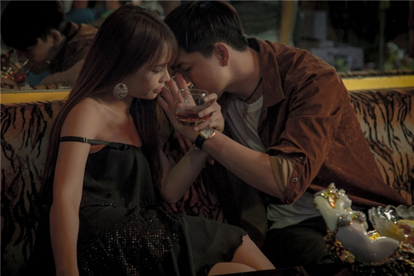 """Trương Quỳnh Anh """"khóc thét"""" khi thấy Tim thân mật với hot girl Sam - Tin sao Viet - Tin tuc sao Viet - Scandal sao Viet - Tin tuc cua Sao - Tin cua Sao"""