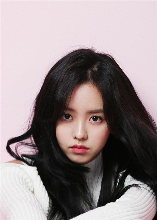 Cận cảnh vẻ đẹp mê hoặc lòng người của Kim So Hyun