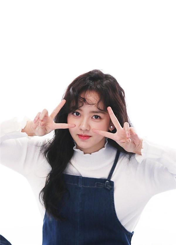 """Mặc dù đã """"lăn lộn"""" trong làng giải trí thời gian dài nhưng Kim So Hyun vẫn chỉ là cô bé hồn nhiên, đáng yêu 18 tuổi mà thôi."""