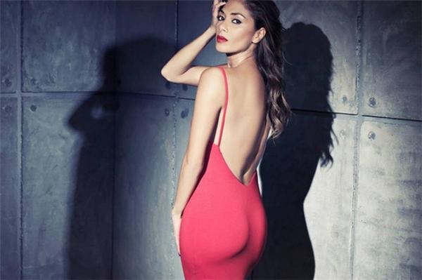 Nicole Scherzingersở hữu vẻ đẹp lai hoàn hảo.