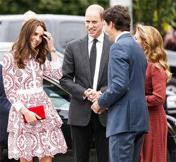 Công nương Kate theo chồng đến thăm Canada vào tháng 9/2016.