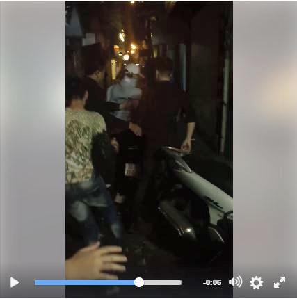 Bị fan vây kín tại điểm diễn, Sơn Tùng phải thoát thân bằng xe máy - Tin sao Viet - Tin tuc sao Viet - Scandal sao Viet - Tin tuc cua Sao - Tin cua Sao