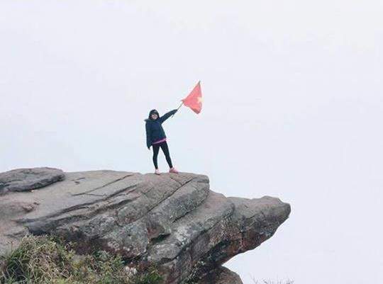 """Đỉnh đèo Pha Luông với mỏm đá """"sống ảo"""" nổi tiếng cũng là một trong những điểm nhất định phải dừng chân khi bạn đã tới Mộc Châu. (Ảnh: chinnievu)"""