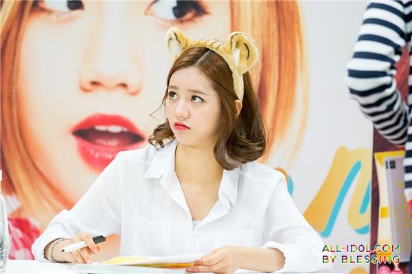 \ Cùng tuổi với Suzy và Krystal, Hye Ri cũng là một 94er xinh đẹp giữvé maknae của Girl's Day.