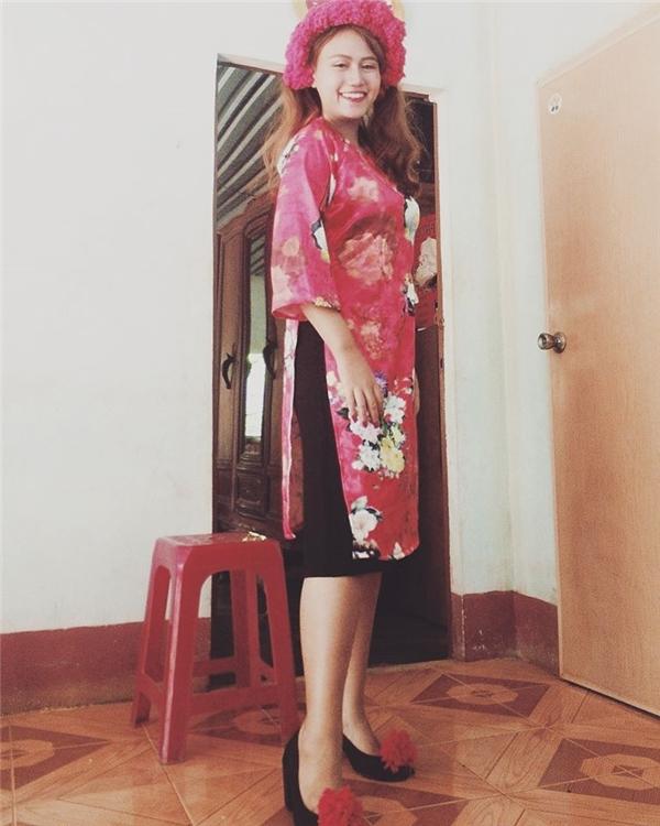 Cô nàng xinh đẹp và quyến rũ ngoài đời thường. (Ảnh: FBNV)